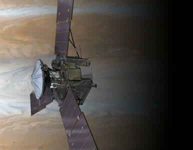 Sonda Juno jest już na orbicie Jowisza. Pozwoli zrozumieć ewolucję...