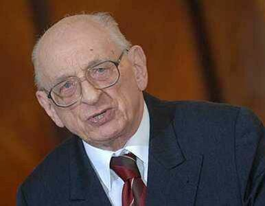 Bartoszewski nagrodzony za ratowanie Żydów