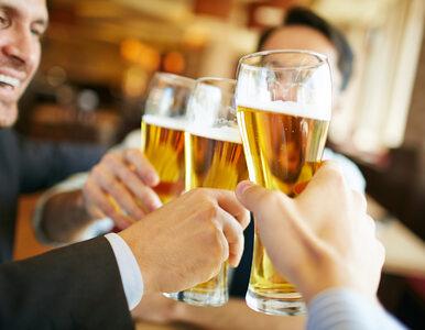 Pijesz często, ale mało? Naukowcy mają dla ciebie złe wieści