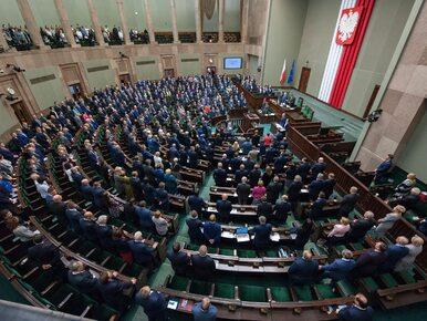 Nowy sondaż CBOS. PiS nieznacznie traci, Kukiz'15 i PSL poza Sejmem