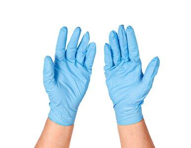 Jak poprawnie zdjąć jednorazowe rękawiczki? Instruktaż