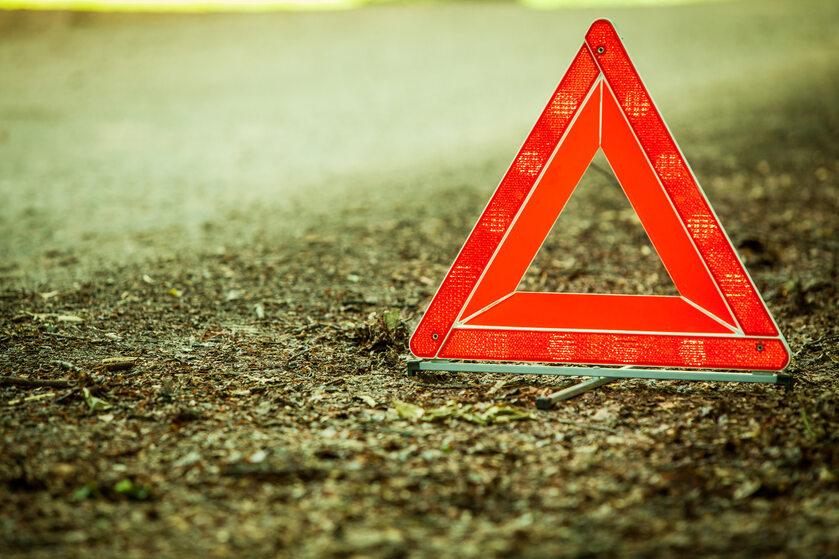 Trójkąt ostrzegawczy - zdjęcie ilustracyjne