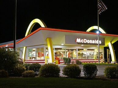 Mężczyzna chciał kupić bezdomnemu posiłek w McDonald's. Obydwaj zostali...