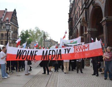 """Radni bronią TV Trwam. """"Komuniści mordowali księży, ale mszy w radiu..."""