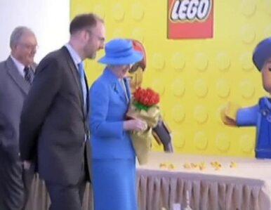 Królowa Danii w chińskiej fabryce klocków LEGO