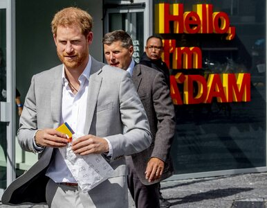 """Książę Harry pozywa """"Sun"""" i """"Daily Mirror"""". Co zarzuca tabloidom?"""