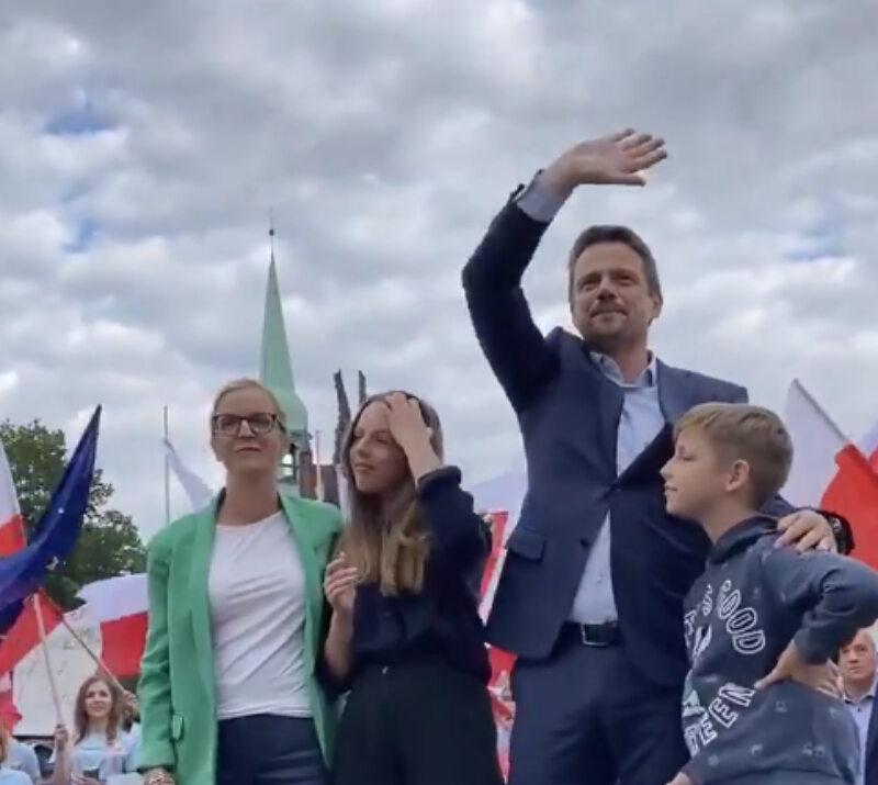 Rafał Trzaskowski z rodziną