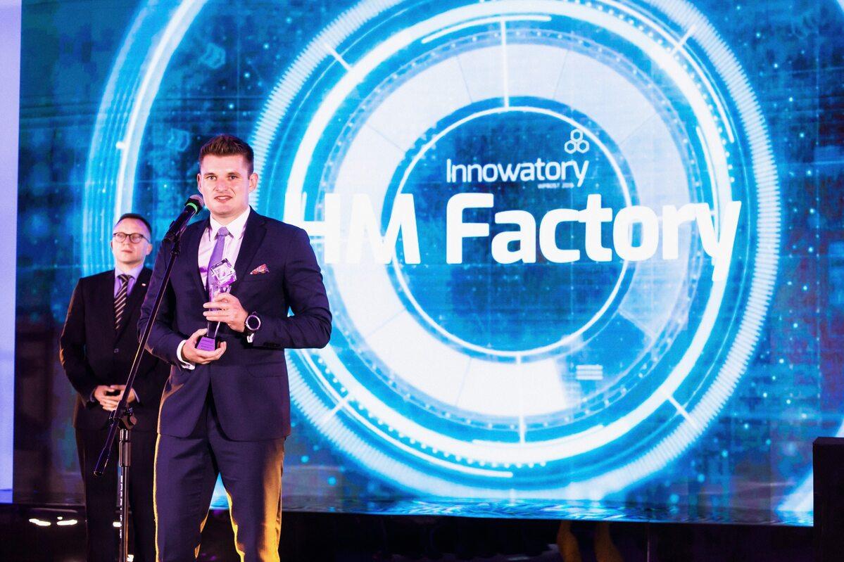 Bartosz Dąbrowski Bartosz Dąbrowski – wiceprezes zarządu HM Factory Sp.  z o.o.