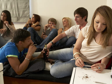 Czym odurzają się dzieci i młodzież