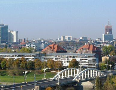 Poznań. Mężczyzna utknął w nowoczesnym sklepie samoobsługowym