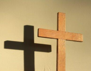 Polacy odwracają się od Boga