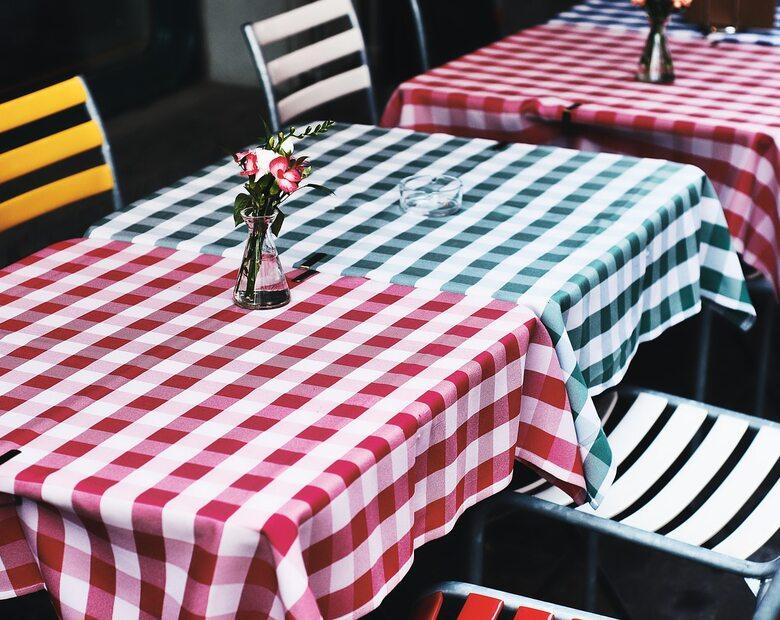 Tylko rodzina przy jednym stoliku? Restauracja z Oświęcimia: Wszyscy...