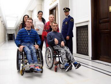 Uczestniczył w proteście niepełnosprawnych. Zdobył mandat radnego w Toruniu