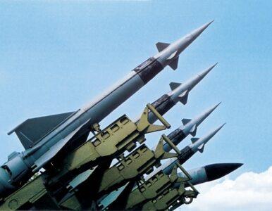 Korea Północna: nowe wyrzutnie na granicy. Tysiące rakiet wymierzonych w...