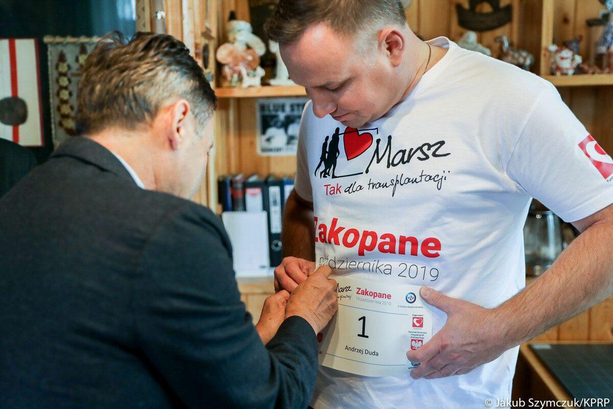 """Prezydent podczas marszu Nordic Walking w Zakopanem pod hasłem """"TAK dla transplantacji"""""""