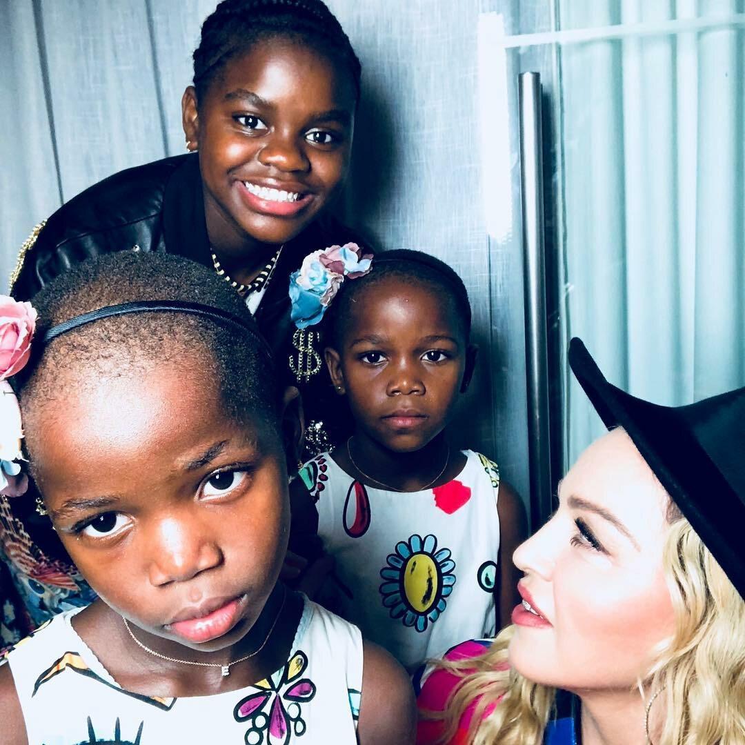 Madonna z dziećmi