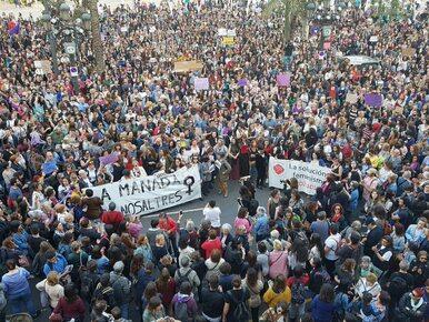 Masowe protesty po wyroku sądu. Sprawcy zbiorowego gwałtu oczyszczeni z...
