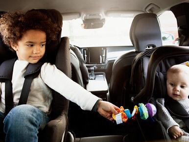 Dzieci trzeba wozić tyłem do kierunku jazdy. Oto dowody
