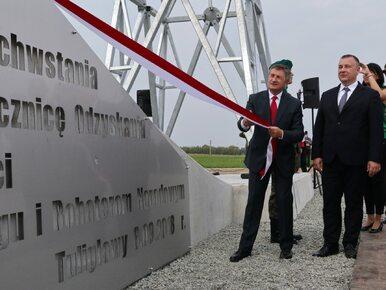 """Marek Kuchciński odsłonił 25-metrowy krzyż. """"Jest wyższy niż ten na..."""