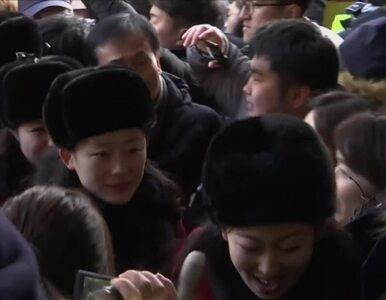 Cheerleaderki Kim Dzong Una już w Pjongczangu. Przywitano je jak gwiazdy