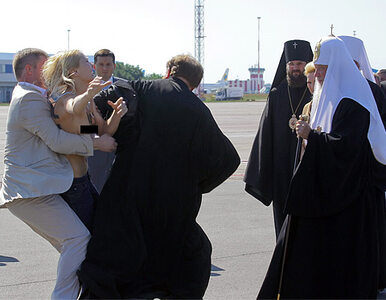 """Półnaga Femenka zaatakowała patriarchę Moskwy. """"Zgiń, przepadnij!"""""""