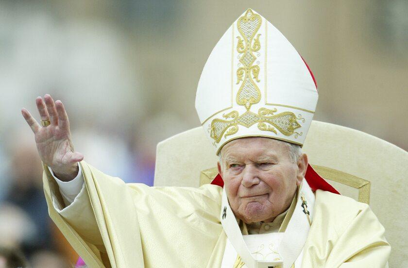 Jan Paweł II w 2004 roku