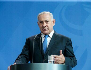 Netanjahu pokazujący środkowy palec. Taki obrazek obiegł izraelskie media