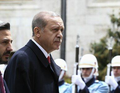 Tureckie władze przejęły kontrolę nad 879 firmami