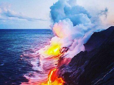 Lawa z wulkanu Kilauea zalewa wyspę na Hawajach. Mieszkańcy pokazują...