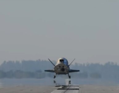 """Chiny przeprowadziły udane lądowanie """"statku kosmicznego wielokrotnego..."""