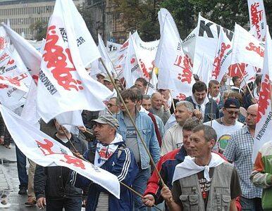 """""""Solidarność może zmienić się w organizację paramilitarną. To idzie w..."""