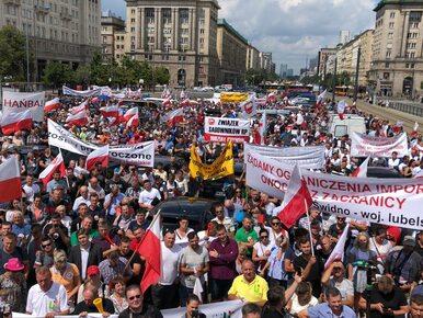 Protest rolników w Warszawie. Sprzeciwiają się zbyt niskim cenom...