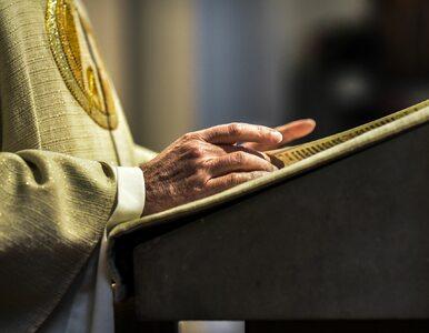 """Oskarżany o molestowanie ksiądz wciąż odprawia msze. """"To obraza dla Boga..."""