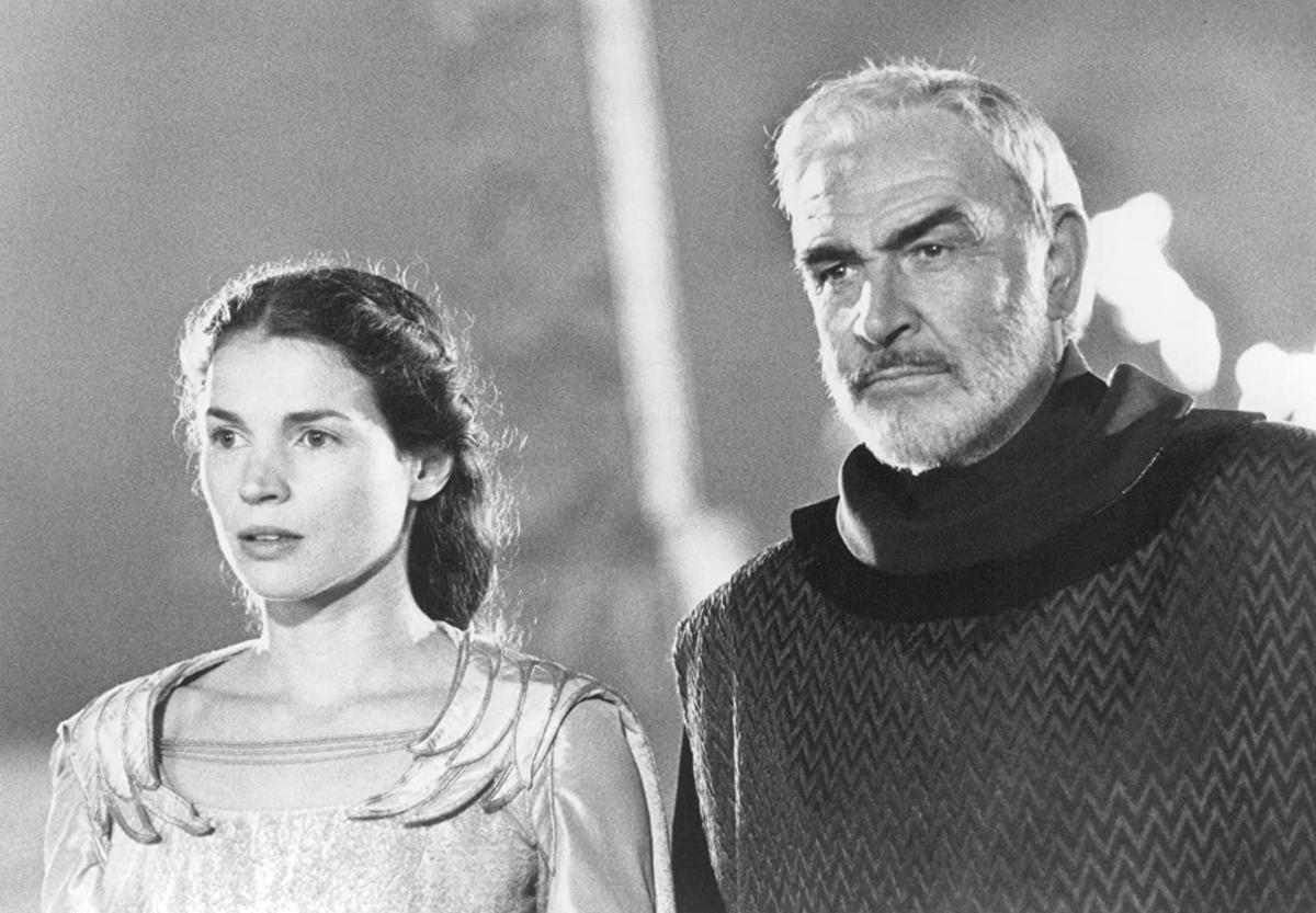 """Sean Connery i Julia Ormond w filmie """"Rycerz króla Artura"""" (1995)"""