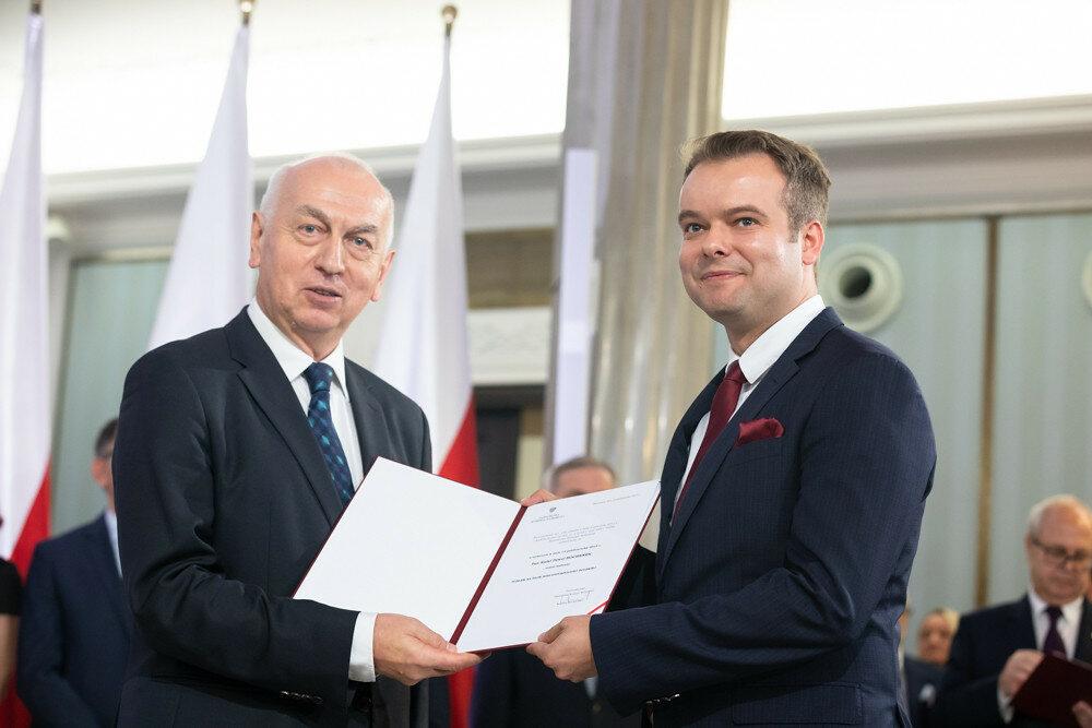 Rafał Bochenek przyjmuje nominację poselską