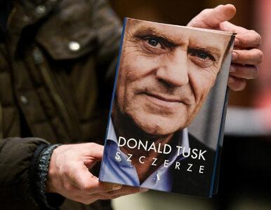 Dziennikarz czyta książkę Tuska i wytyka znaczące błędy. Wakacje Petru...