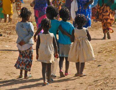 Problem afrykańskiego kraju. Tłumy bezdomnych dzieci na ulicach